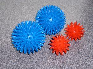 4 x Igelball, Massagebälle in 4,5 und 8cm Durchmesser